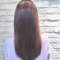ピンクベージュ コンサバ ピンクアッシュ 縮毛矯正 ヘアスタイルや髪型の写真・画像