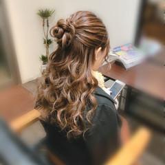 お団子ヘア セミロング お団子アレンジ ハーフアップ ヘアスタイルや髪型の写真・画像