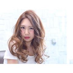 ガーリー ロング ゆるふわ 外国人風 ヘアスタイルや髪型の写真・画像