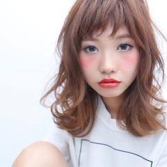 透明感 ショートバング ナチュラル おフェロ ヘアスタイルや髪型の写真・画像