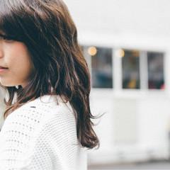 外国人風 ミディアム アッシュ ブラウン ヘアスタイルや髪型の写真・画像