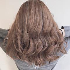 セミロング ナチュラル ミルクティーブラウン アディクシーカラー ヘアスタイルや髪型の写真・画像