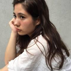 ウェーブ ラフ ロング 外国人風 ヘアスタイルや髪型の写真・画像