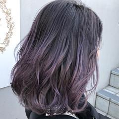 ミディアム ブリーチ ラベンダーグレージュ グラデーションカラー ヘアスタイルや髪型の写真・画像