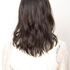 大人かわいい ゆるふわ ミディアム 艶髪 ヘアスタイルや髪型の写真・画像