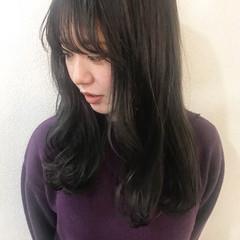 秋 アッシュグレー グレージュ セミロング ヘアスタイルや髪型の写真・画像