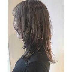 モード 外ハネ ウルフカット マッシュ ヘアスタイルや髪型の写真・画像