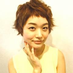 オン眉 ショート 秋 丸顔 ヘアスタイルや髪型の写真・画像