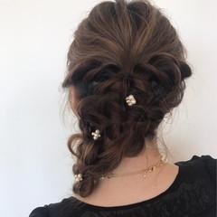 セミロング 結婚式 フェミニン ヘアアレンジ ヘアスタイルや髪型の写真・画像