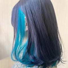 ネイビーブルー アンニュイほつれヘア ミディアム インナーカラー ヘアスタイルや髪型の写真・画像