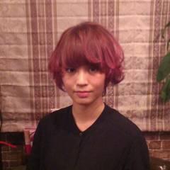 ショート グラデーションカラー ピンク レッド ヘアスタイルや髪型の写真・画像