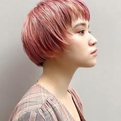 ピンクカラー ハイトーンカラー ミニボブ 横顔美人 ヘアスタイルや髪型の写真・画像
