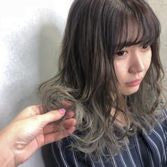 バレイヤージュ ミディアム ブリーチ モード ヘアスタイルや髪型の写真・画像