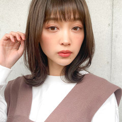 レイヤーカット 髪質改善トリートメント オリーブベージュ 小顔ヘア ヘアスタイルや髪型の写真・画像
