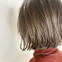 グレージュ ボブ ナチュラル アッシュベージュ ヘアスタイルや髪型の写真・画像