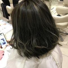 ハイライト フェミニン デート カーキ ヘアスタイルや髪型の写真・画像
