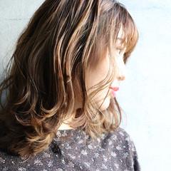 大人かわいい セミロング ミディアムレイヤー レイヤーカット ヘアスタイルや髪型の写真・画像