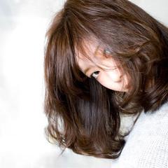 フェミニン ミディアム 外国人風 大人かわいい ヘアスタイルや髪型の写真・画像