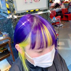 インナーカラー 切りっぱなしボブ ストリート ショートヘア ヘアスタイルや髪型の写真・画像