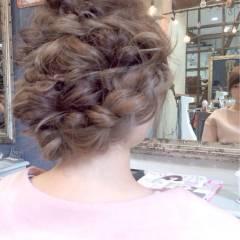 ロング 編み込み ナチュラル ルーズ ヘアスタイルや髪型の写真・画像