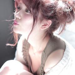 簡単ヘアアレンジ ヘアアレンジ レッド ショート ヘアスタイルや髪型の写真・画像