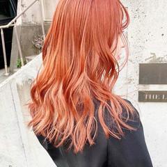 ハイトーン アプリコットオレンジ ハイトーンカラー セミロング ヘアスタイルや髪型の写真・画像