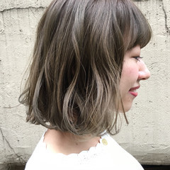 外国人風カラー ミルクティー アッシュ ボブ ヘアスタイルや髪型の写真・画像