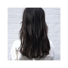 ナチュラル ダークカラー オリーブアッシュ オリーブグレージュ ヘアスタイルや髪型の写真・画像