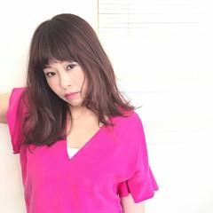 ミディアム レッド ピンク 大人かわいい ヘアスタイルや髪型の写真・画像