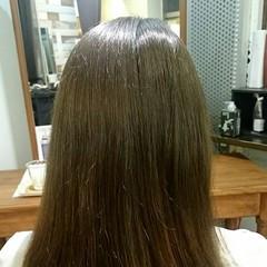 グリーン グレージュ ストリート ミディアム ヘアスタイルや髪型の写真・画像