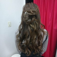 ヘアカラー ロング ナチュラル 結婚式ヘアアレンジ ヘアスタイルや髪型の写真・画像