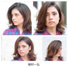 暗髪 ウェーブ ナチュラル ミディアム ヘアスタイルや髪型の写真・画像