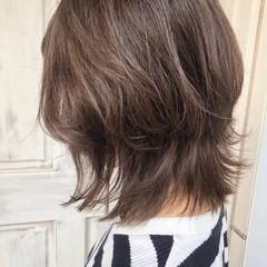透明感カラー ミディアム アッシュグレージュ ナチュラル ヘアスタイルや髪型の写真・画像