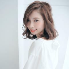 大人かわいい ブラウンベージュ 透明感 パーマ ヘアスタイルや髪型の写真・画像