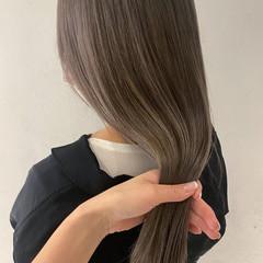 透明感カラー グレージュ ロング ダメージレス ヘアスタイルや髪型の写真・画像