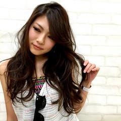 外国人風 渋谷系 大人かわいい ゆるふわ ヘアスタイルや髪型の写真・画像