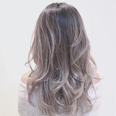 ハイライト グラデーションカラー ホワイト ストリート ヘアスタイルや髪型の写真・画像