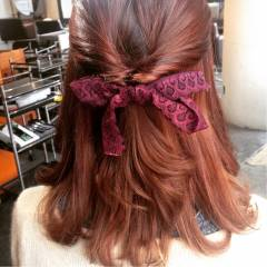 ミディアム ガーリー 簡単ヘアアレンジ セルフヘアアレンジ ヘアスタイルや髪型の写真・画像