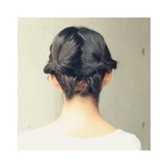 暗髪 簡単ヘアアレンジ ミディアム ヘアアレンジ ヘアスタイルや髪型の写真・画像