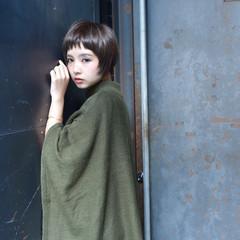 暗髪 ショート ゆるふわ 冬 ヘアスタイルや髪型の写真・画像