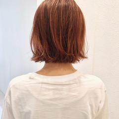 オレンジ ミニボブ ストリート 切りっぱなしボブ ヘアスタイルや髪型の写真・画像