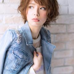 大人女子 ショート 外国人風 ナチュラル ヘアスタイルや髪型の写真・画像