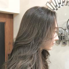 ロング バレイヤージュ グラデーションカラー レイヤーロングヘア ヘアスタイルや髪型の写真・画像