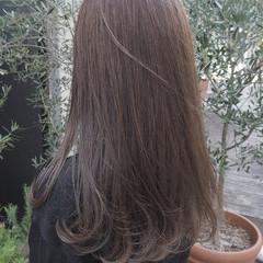 透明感 グレージュ ロング ナチュラル ヘアスタイルや髪型の写真・画像