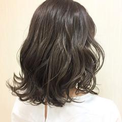 外国人風カラー グレージュ ナチュラル グラデーションカラー ヘアスタイルや髪型の写真・画像