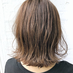 ナチュラル くびれカール ミディアム モテ髪 ヘアスタイルや髪型の写真・画像