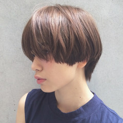 ショート アッシュ モード 小顔 ヘアスタイルや髪型の写真・画像