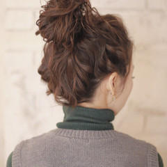 ミディアム フェミニン 簡単ヘアアレンジ ショート ヘアスタイルや髪型の写真・画像