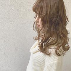 ダブルカラー ベージュ 外国人風カラー ミルクティーベージュ ヘアスタイルや髪型の写真・画像