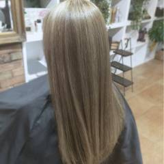ガーリー アッシュグレー グレー グレージュ ヘアスタイルや髪型の写真・画像